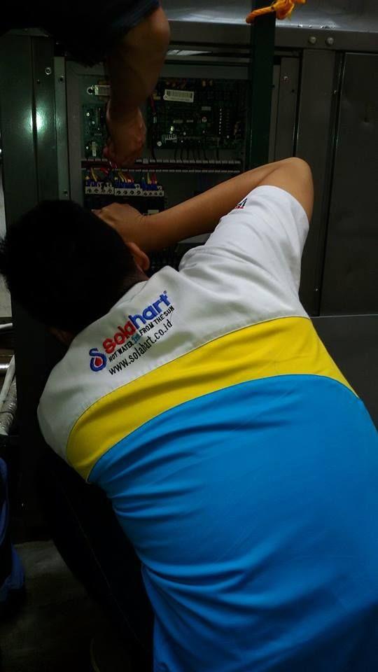 SERVICE  SOLAHART-HANDAL SOLAR WATER HETAER  PEMANAS AIR TENAGA MATAHARI  081310944049 SERVICE CENTER SOLAHART  : 021-95003749-95003874 Kami  adalah perusahaan yang bergarak di  bidang Jual dan Service  Pemanas Air  Tenaga Matahari  Solahart-Handal-Wika SWH (Penjualan dan Jasa Service) CV.SURYA SACIPTA SERVICE  Spesialis Pemanas Air  Tenaga Matahari  Sales-Spare Part-Service terpercaya dan  terbaik SE-JABODETABEK(AHLI-PROFESIONAL-ON TIME) JASA KAMI : -Tidak Panas…