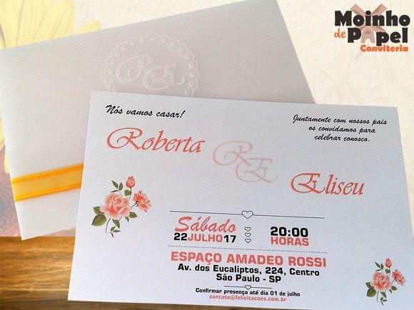 Convite de casamento floral laranja com relevo. Envelope em papel vegetal e convite em papel perolado.