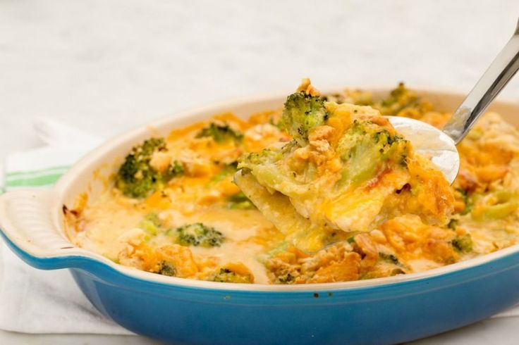 Cracker Barrel-Inspired Broccoli Cheddar Chicken Casserole