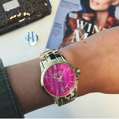 Przerwa na lunch.  #liujo #liujowatch #pink #gold #luxury #lunch #freetime #fashion #dlaniej #butikiswiss
