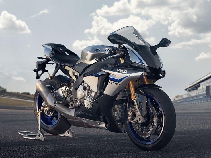 Disponibile anche nel 2016 in tiratura limitata la Yamaha YZF-R1M 2016. Prenotabile online a € 23.490 f.c. verrà consegnata da gennaio 2016