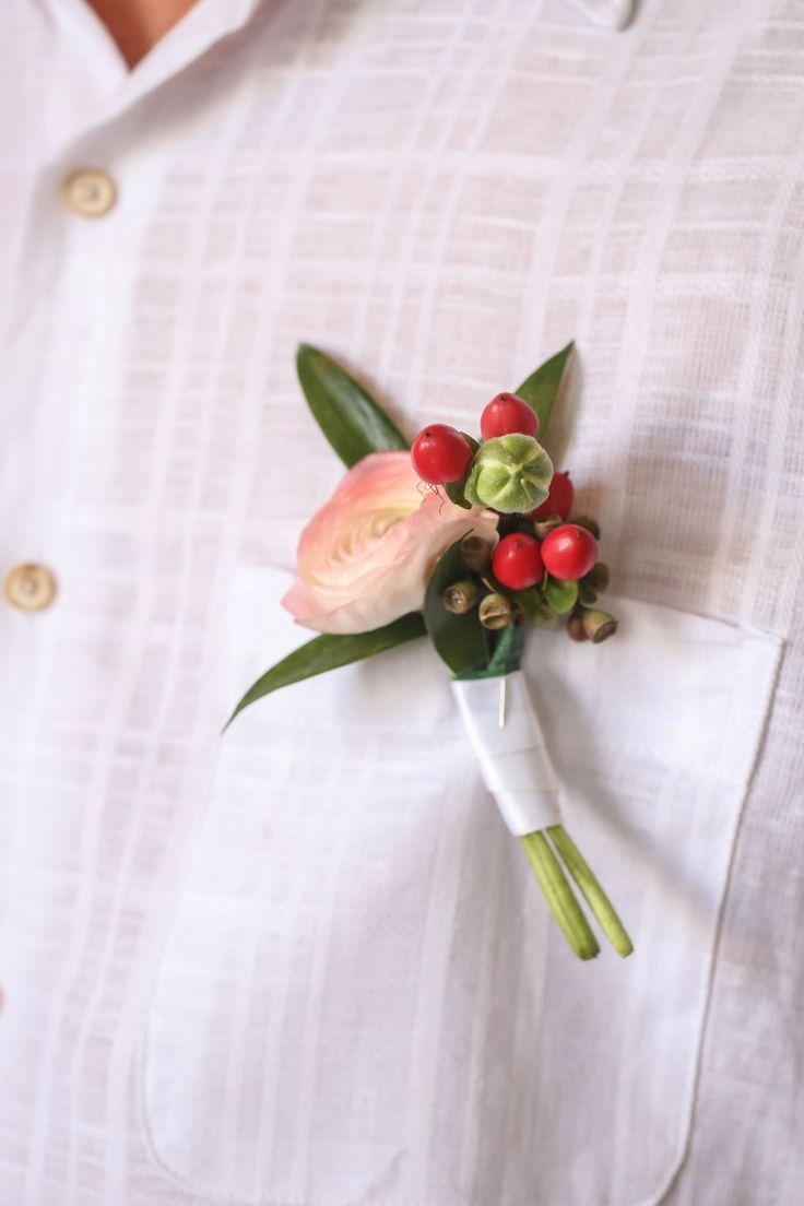 Tropical wedding boutonniere ideas and inspiration (Lifelong Photography Studio)