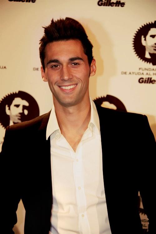 Alvaro Arbeloa! Muy guapo, viva Espana!