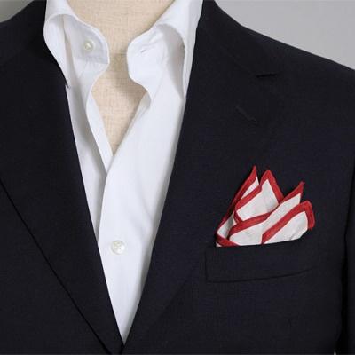 リネン100%のポケットチーフ(縁は赤のカラープリント) 100% linen pocket handkerchief.