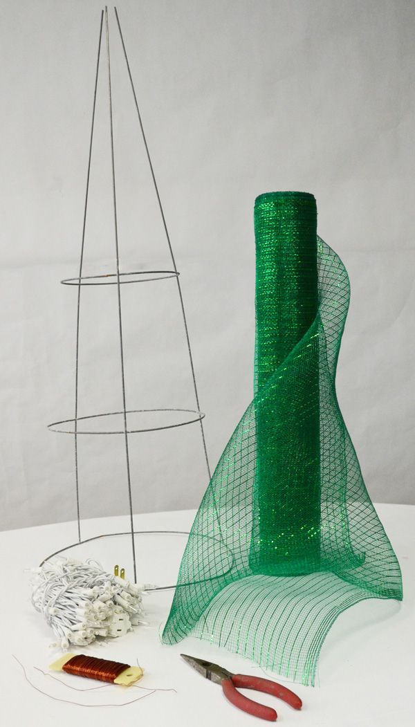 Deco Mesh Christmas Tree made with a Tomato Cage: Tutorial look at the finished product.
