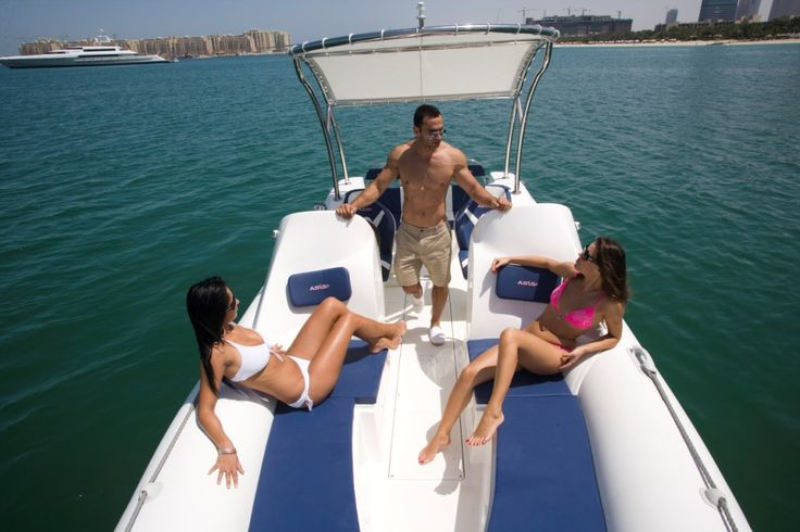 An ideal leisure RIB for families, one of the many great features of this Recreational Elite boat 8m is the sun bed area for you to enjoy whilst out with family and friends. #recreationalboat #sunbed #rhibwithsunbed #Rib #Rigidinflatableboat #leisurecruisingboat  #ribboat #Eliterib8m #rib#RHIB#asisboats #uae #Safetypeboat#dubai #asisrib #fastribboat