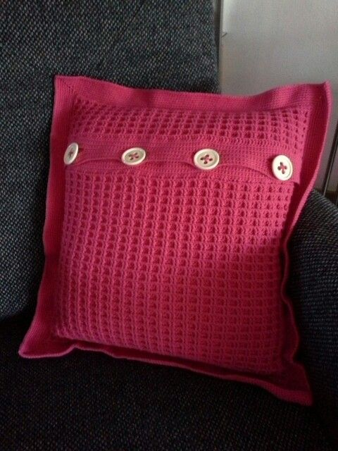 Gehaakt kussen met wafelsteek, eigen ontwerp