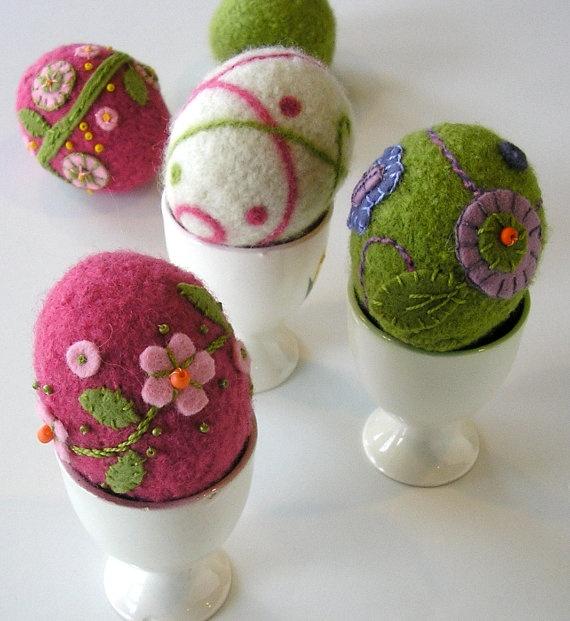 woolly eggs pattern - sport weight