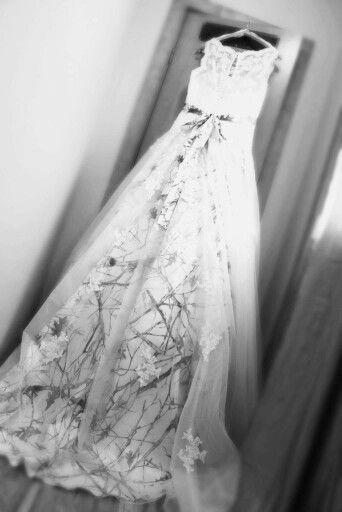 Snow camo custom pronovias nimbar wedding dress