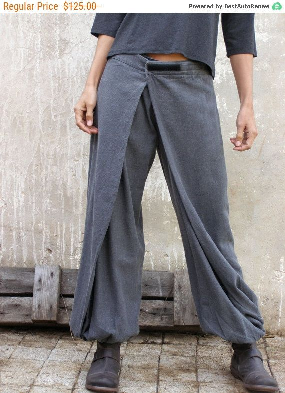Versatile pants that can be changed by playing with the wings and Velcro closure Both wings are attached in the front (Pic 1 ) One wing is attached