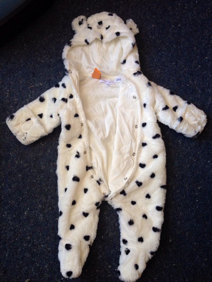 According to TradeMe this is a panda suit, I think it is a cow suit, cute none-the-less! Originally from Pumpkin Patch <3