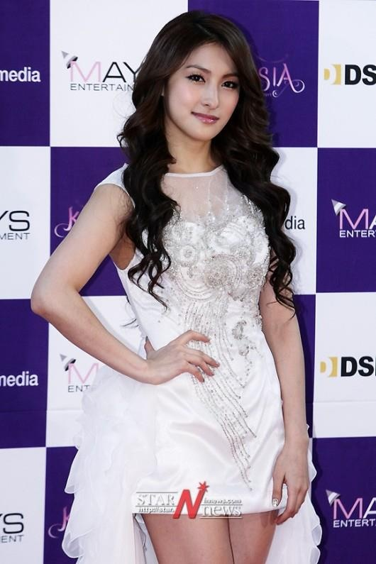 120218 Gyuri KARASIA Press Conference