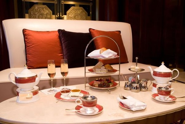 Enjoy a sumptuous afternoon tea in the Lobby Lounge of our client Jumeirah Essex House.