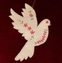 Christmas Dove free pattern - via @Craftsy