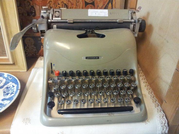 Als ie het nog doet kun je er ook leuke briefjes mee schrijven (zie Marlies). Als kind vond ik dit ook leuk speelgoed.