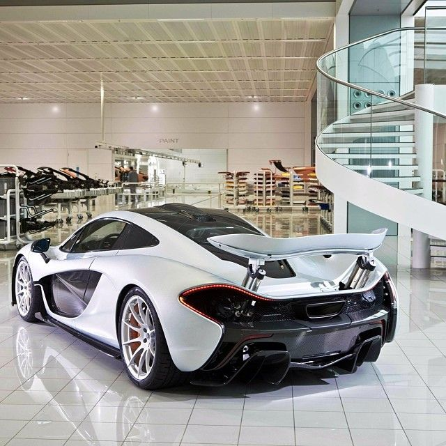 Another stunning shot of the mighty #McLaren #P1 at MPC!