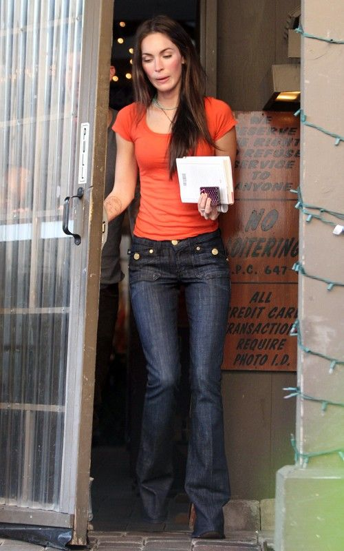 Megan Fox in Studio City (01/19/2011) - megan-fox-19jan11-sc-007 - Megan Fox @ megansafox.com | Gallery