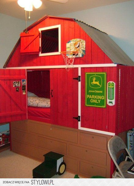 Barn Bed with Tractor Stool - by lumberdoc @ LumberJock… na Stylowi.pl