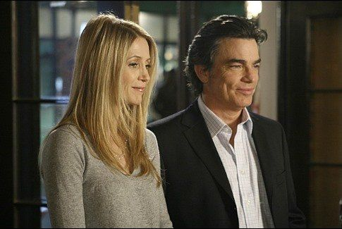 Still of Peter Gallagher and Kelly Rowan in The O.C. (2003)
