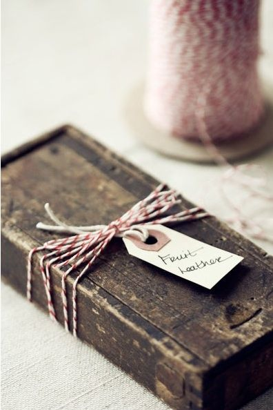 DIY Wrapping Ideas: Homemade & Eco-Friendly Christmas Gift Wrap