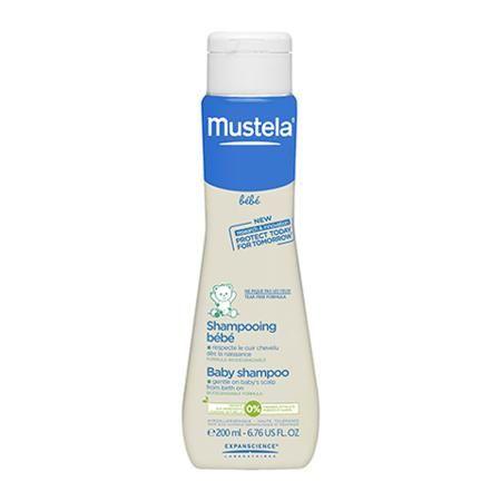 Mustela  — 700р. ----------------------------------------------- Mustela Bebe Shampooing Bébé (Мустела Бебе Шампунь для детей всех возрастов) для всех типов волос и кожи головы. Детский шампунь Mustela Bebe Shampooing Bébé подходит для ежедневного очищения волос новорожденных и детей всех возрастов. Его ультранежная формула мягко и тщательно очищает волосы и кожу головы, при этом не нарушает хрупкий защитный барьер и гидролипидный баланс. Экстракт ромашки смягчает и успокаивает кожу во время…