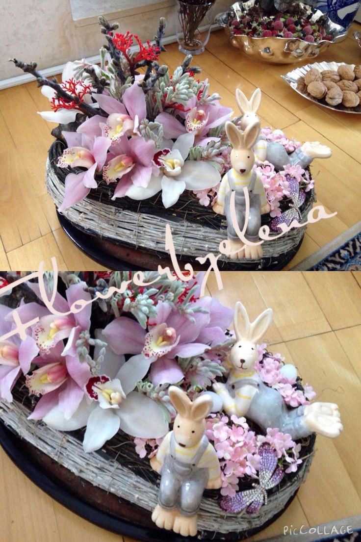 Aranjament Pasti cu orhidee , jatropa ...iepurasi