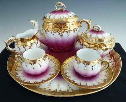 Gorgeous Tea Pot, Creamer and Sugar Service Set