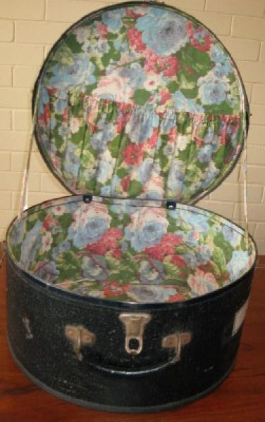 vintage hat box with beautiful lining