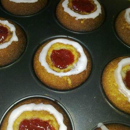 Egy finom Runeberg muffin (Runebergin tortut) ebédre vagy vacsorára? Runeberg muffin (Runebergin tortut) Receptek a Mindmegette.hu Recept gyűjteményében!