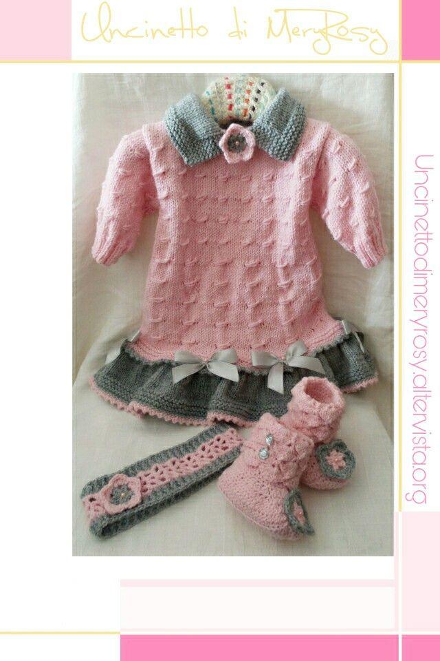 Vestitino per bimba lavorato a maglia con fascia e stivaletti all'uncinetto Girls dress with knitted headband and crocheted booties #vestitino #vestito #fasciacapelli #stivaletti #stivali #uncinetto #crocheted #crochet #handmade #fattoamano #diy #knitted #knitting #baby #bebè #bebe #bimba #girls