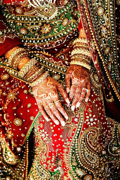 Indian Bride, from her hands to her veil means something special to her, to her family and her new family #cranehouse #aich #indian weddings