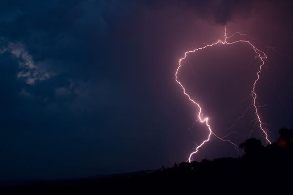 Flash of lightning HD picture 06