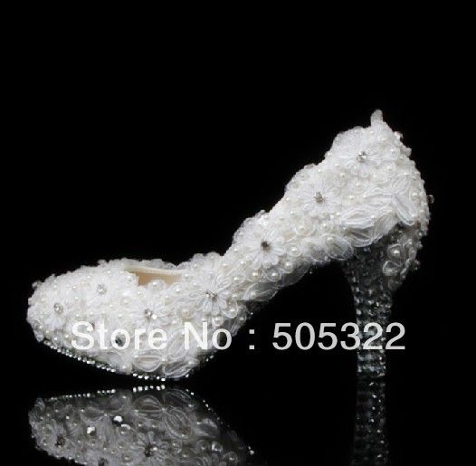 2014 New White Lace Wedding Shoes Rhinestone Low Heels Pumps Pearl And Crystal Bridal