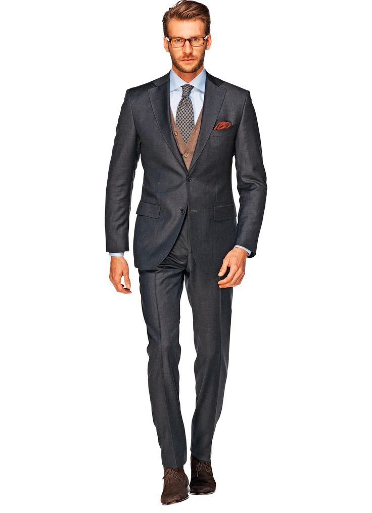This dark grey Napoli fit suit is a strong addition to any collection. The pure wool comes from the Vitale Barberis Canonico mill in Italy, and features a narrow shoulder and flap pockets.