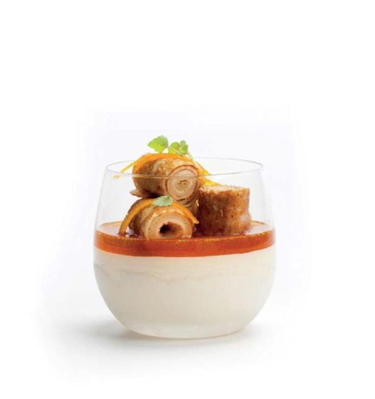 Crèpe Suzette - The easy way http://njam.tv/recepten/crepe-suzette-easy-way
