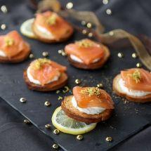 Toasts saumon-mascarpone sur Recettes.net
