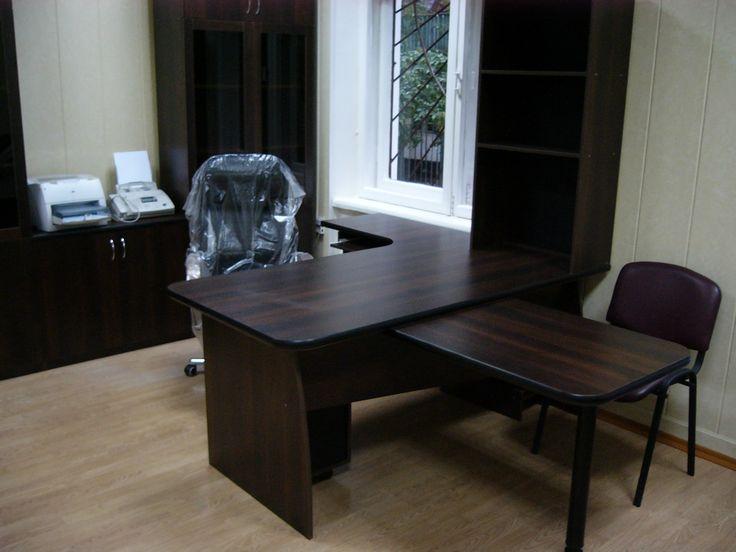 Офисная мебель на заказ для кабинета руководителя.