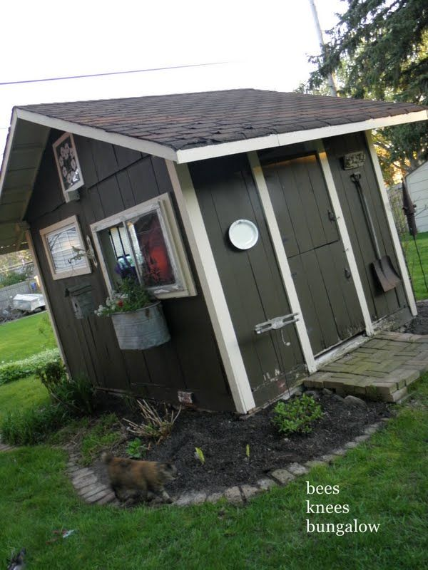 Cute Shed! {Bees Knees Bungalow}: May 2011