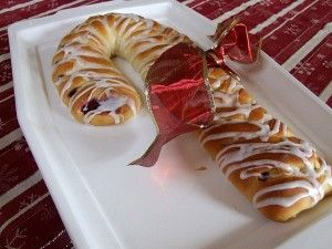 Candy Cane Coffee Cake | Recipe Girl   This looks good for Christmas get togethers or parties.