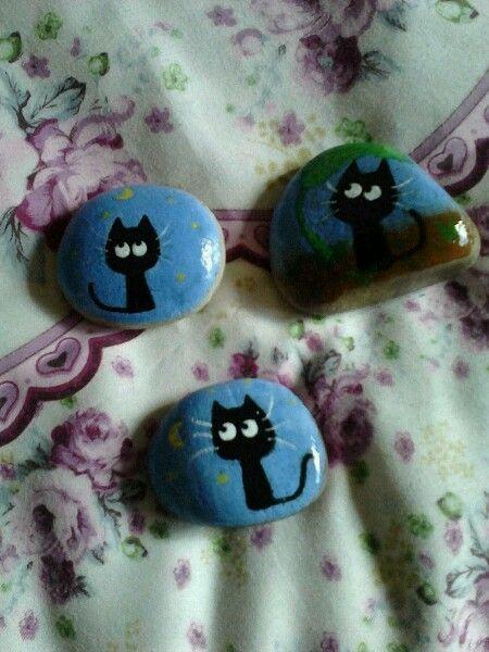 Cat painted rocks