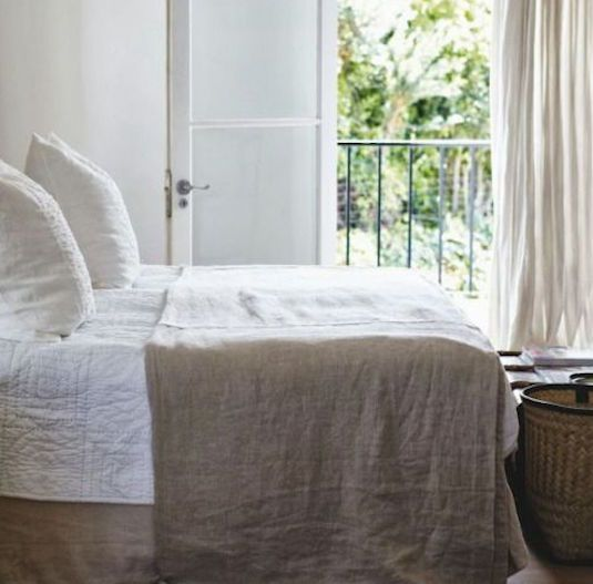 1000 Images About Bedroom Feng Shui On Pinterest Master Bedrooms Linens And Bed Placement