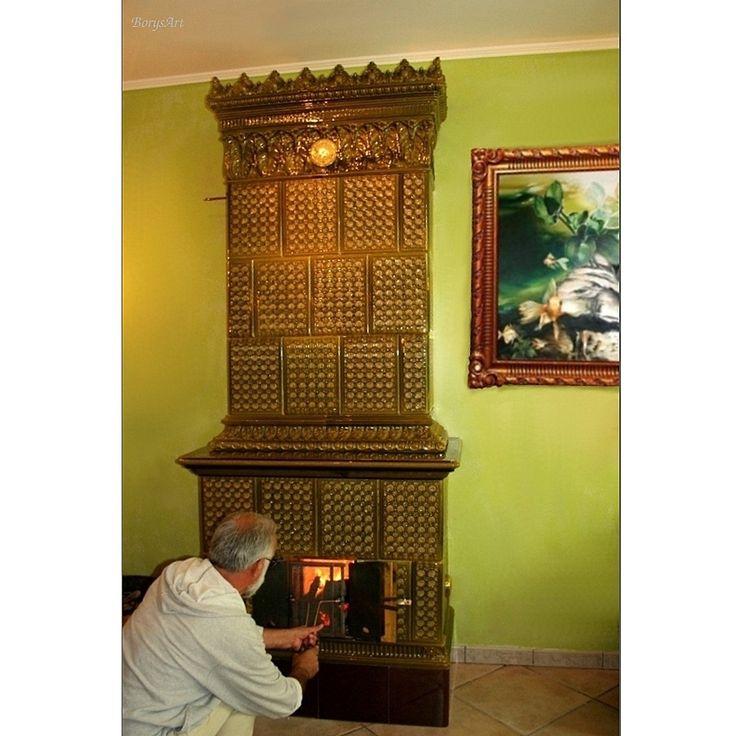 Zabytkowy piec kaflowy po renowacji w pracowni BorysArt  /rekonstrukcja, konserwacja, montaż/