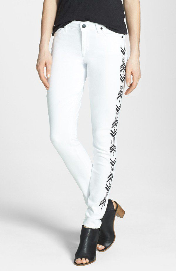 "Pin for Later: 13 Kleidungsstücke, um den mexikanischen ""Cinco de Mayo"" zu feiern CJ by Cookie Johnson Embroidered Jeans CJ by Cookie Johnson Wisdom Chevron Embroidered Jeans ($168)"