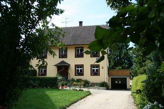 Leuk vakantiehuis met karakter in de Bodensee regio te Duitsland. Deze vakantiewoning welke ruimte biedt aan maximaal vier personen is gelegen nabij het plaatsje Hilzingen.