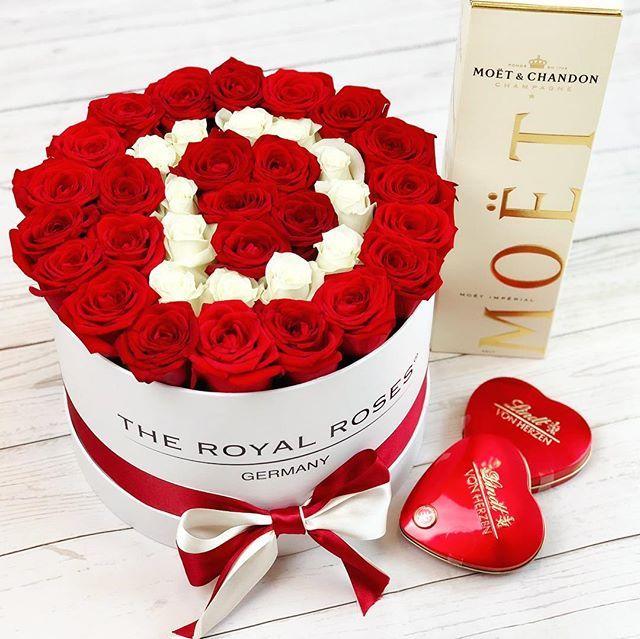 Natural Oder Infinity Kollektion Personalisierte Rosenboxen Bei Www Theroyalroses De Theroyalrosesgermany Rosebox Nat Rosen Box Rosen Luxus Schone Blumen