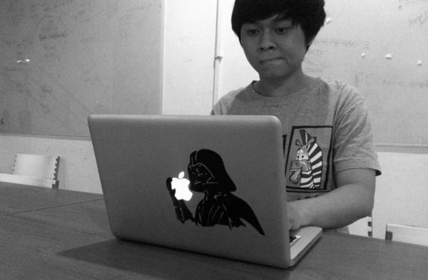 KatzeDECAL menawarkan decal keren yang akan membantumu menambahkan ciri khas ke Mac kamu.
