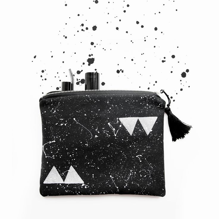 #Geometric TRIANGLE pouch, cosmetic #travel #bag #umination #blackandwhite #tassell