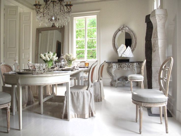 1175 best dining rooms images on pinterest for Neoclassical dining room design