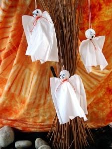 Kreatív ötletek Hallowenra: HALLOWEEN SZELLEMEK  http://www.hobbycenter.hu/Unnepek/szellemek.html