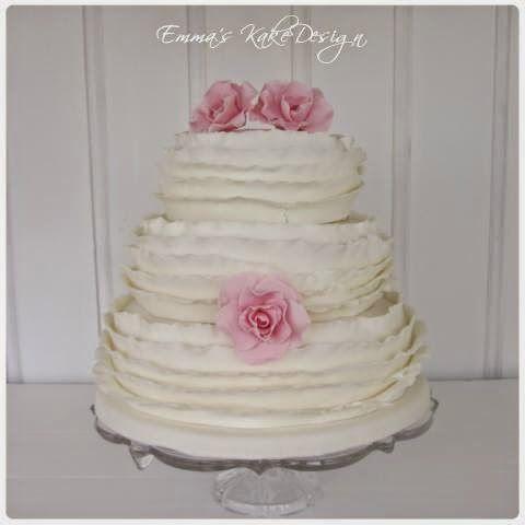 Emmas KakeDesign: Romantisk ruffleskake!